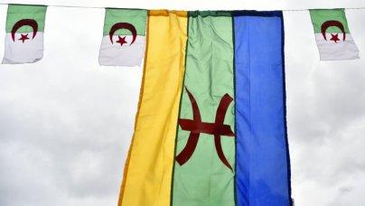 30042018-drapeau-algerie-kabyle-afp