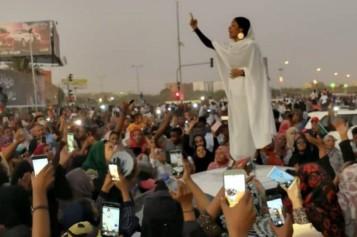 7797417442_alaa-salah-lundi-8-decembre-a-khartoum