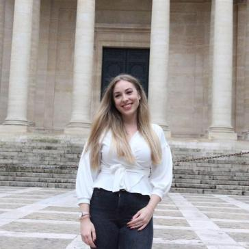 LE GATT Louise, étudiante en M2 Relations Internationales et Vice-présidente d'ESMA.